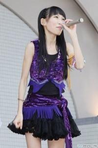 出典:http//geinou,sichou.blog.so,net.ne.jp. アイドルグループ「ももいろクローバー」